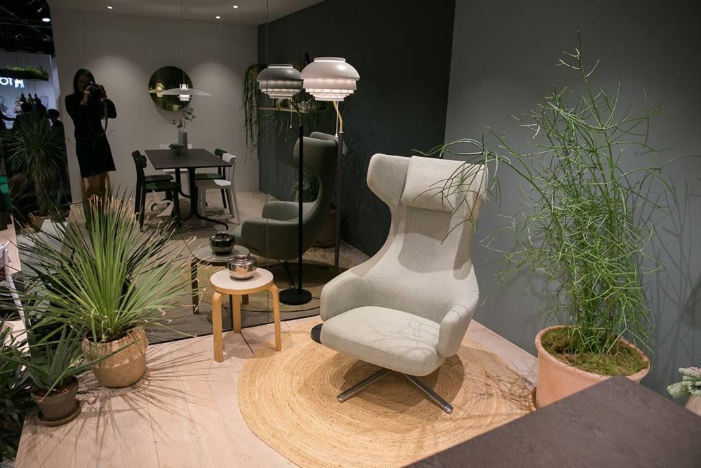 Bild eines grauen Sessels von vitra