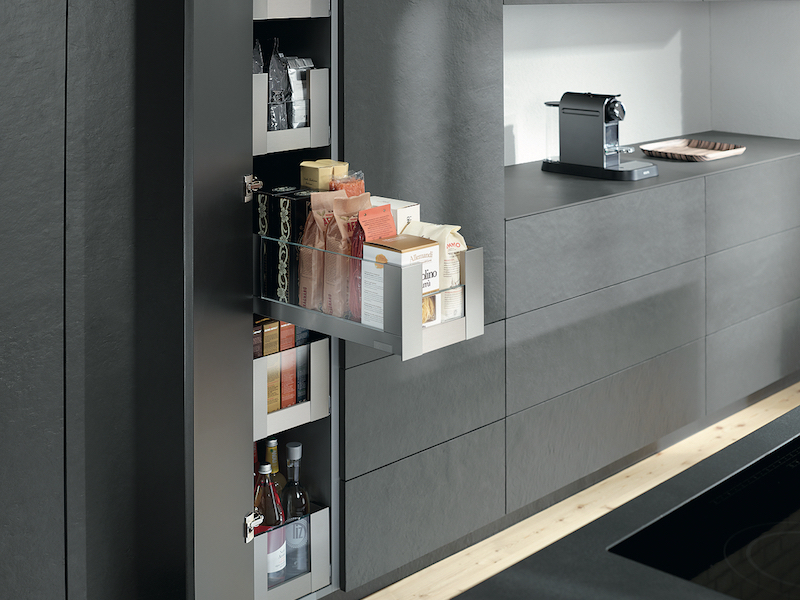 blum-space-tower-schmal