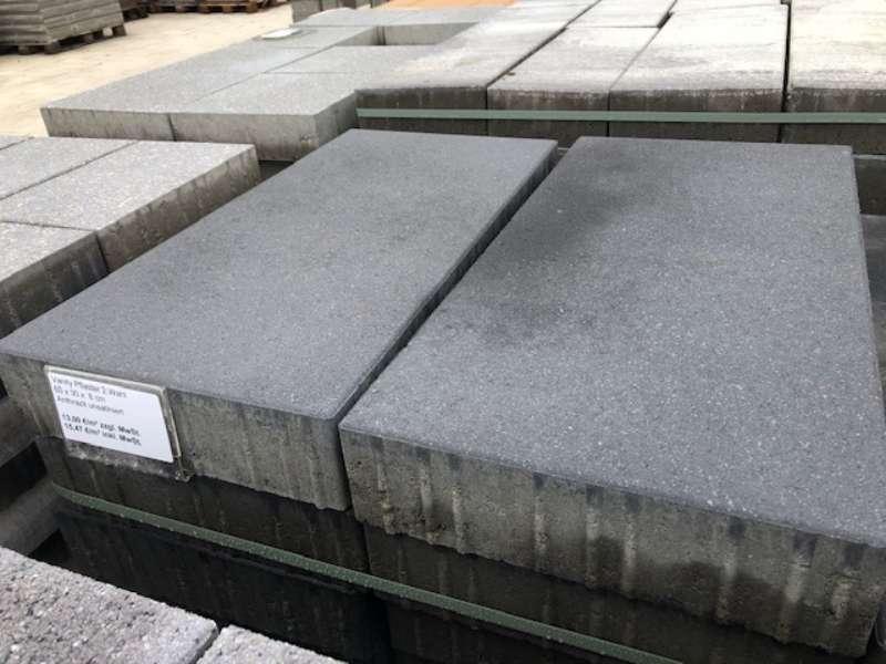 Vanity Pflaster 60x30x8 anthrazit betonglatt/unsatiniert (2.Wahl)
