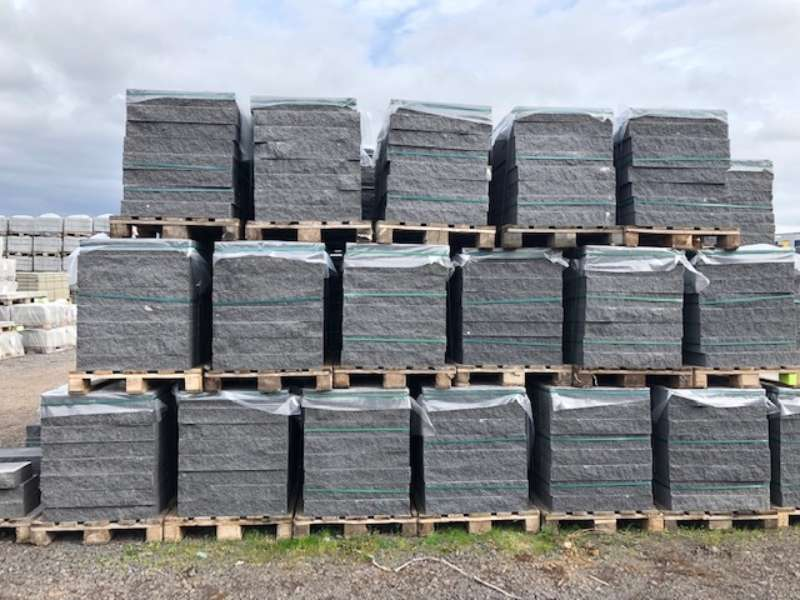 Cubaro Bruchsteinmauer anthrazit Grundelement und Endelement 67,5×22,5×10 cm (2.Wahl)