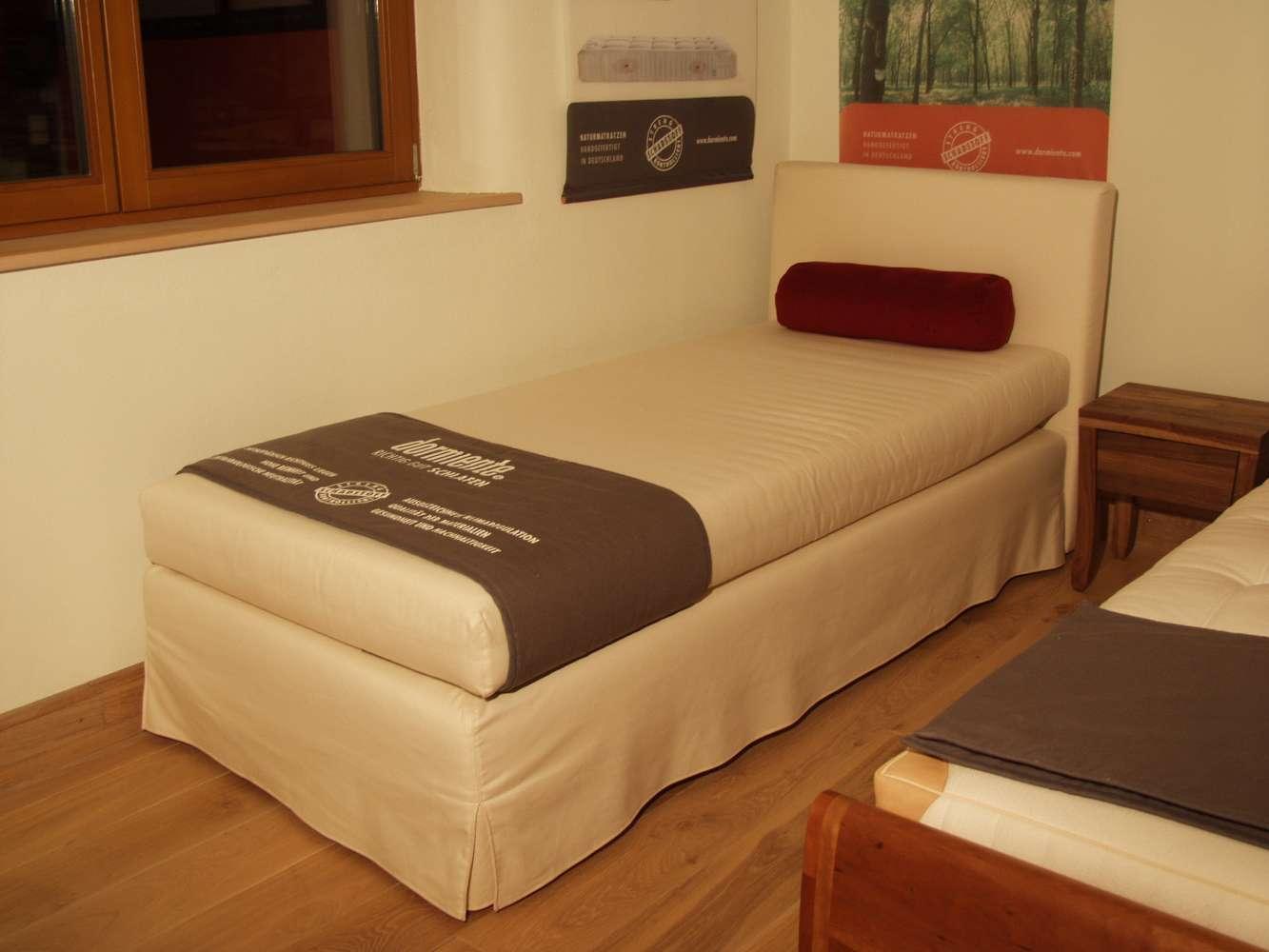 "dormiente Bett ""Vega"" 90*200cm Bio-Polsterbett mit abnehmebarem naturfarbenen Öko-Polsterbezug"