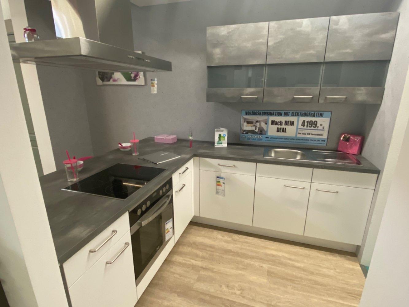 Einbauküche Quarz / Küche mit E-Geräten Top Deal Koje 19