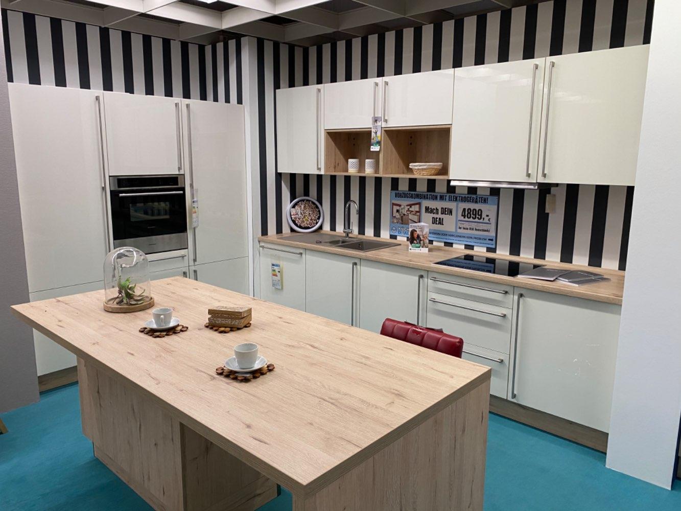 Einbauküche Rhodonit / Küche mit E-Geräten Top Deal Koje 17