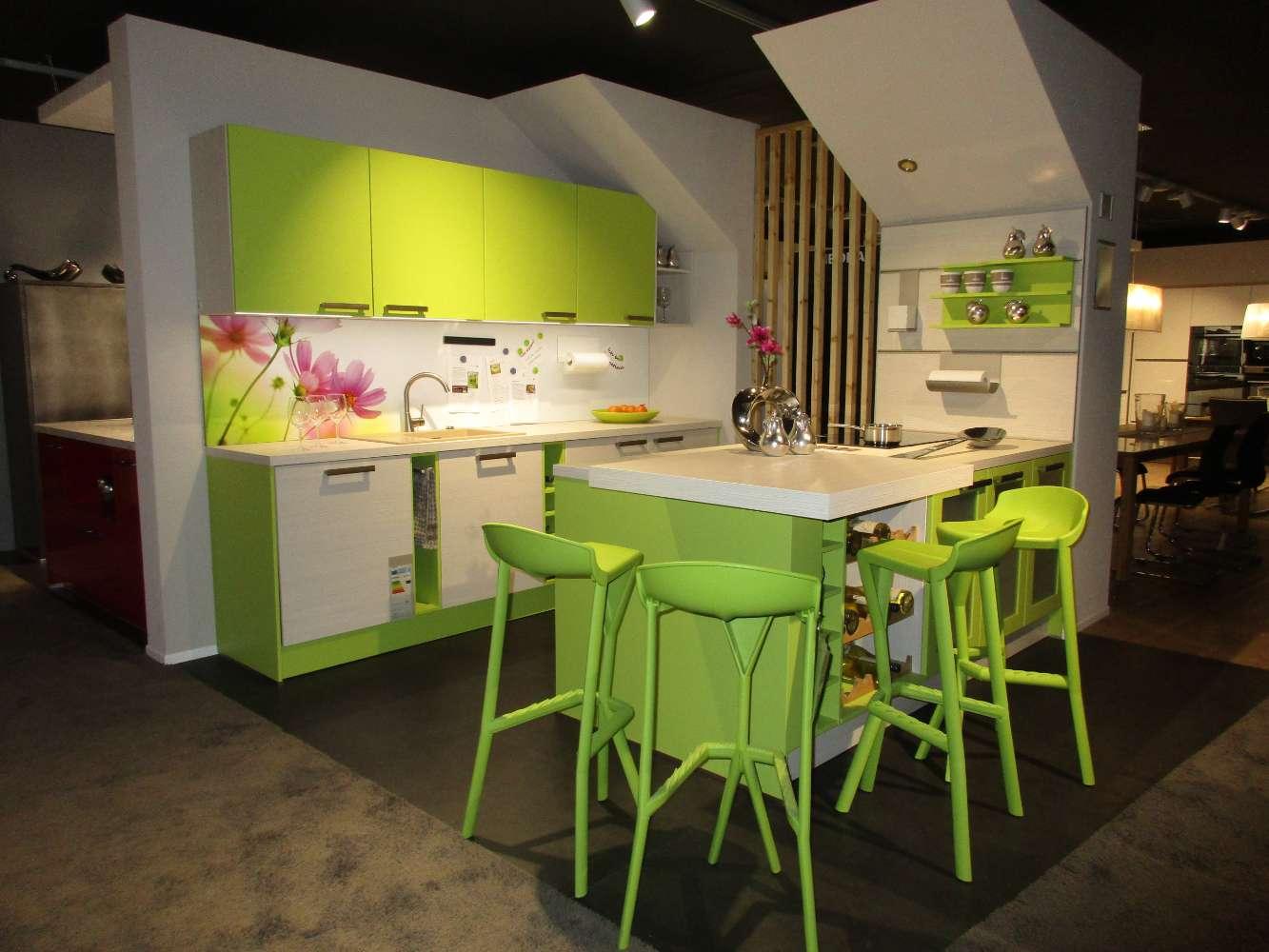 Musterküche Lima helle Küche mit Theke