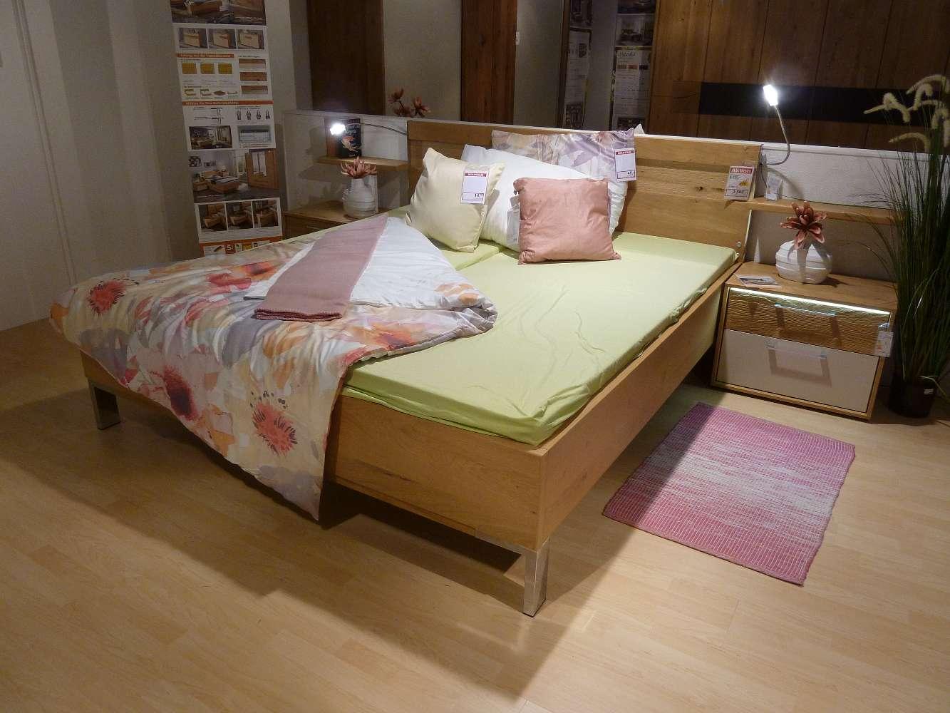 Schlafzimmer in Balkeneiche und Lack sand