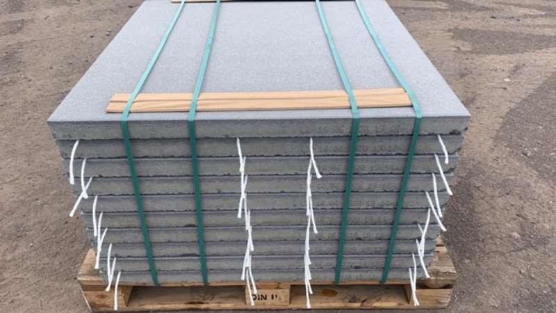 Vios Terrassenplatten 100x100x5,5 cm grau gestrahlt (2.Wahl)