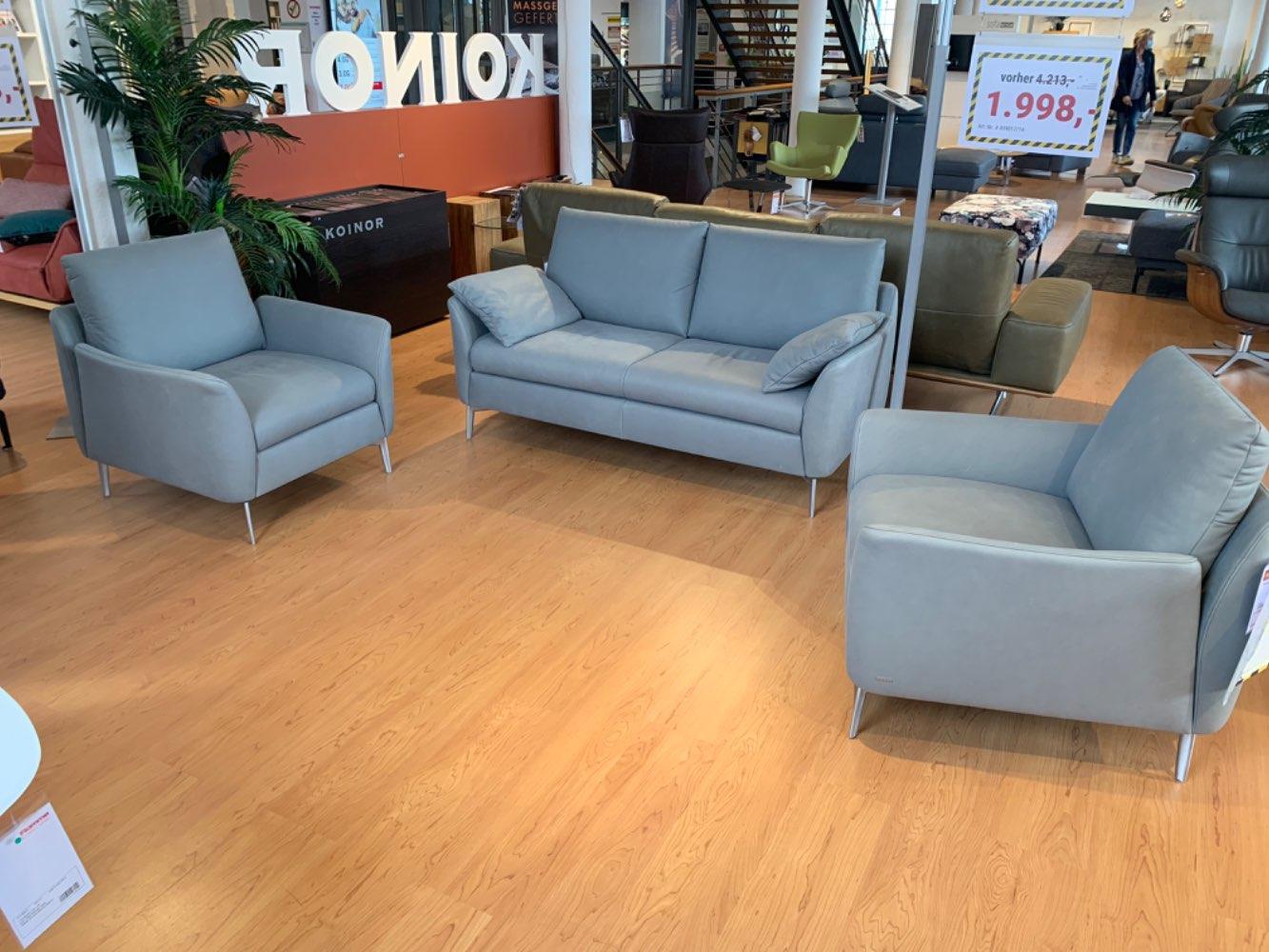 2- Sitzer + 2 Sessel