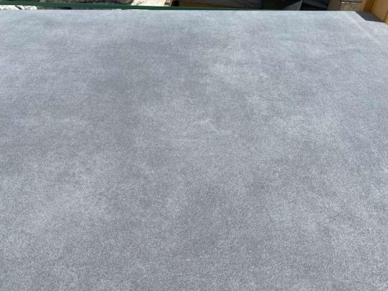 Phero [BETONPLUS/KERAMIK] 120x120x5 cm  zementanthrazit strukturiert (2.Wahl)
