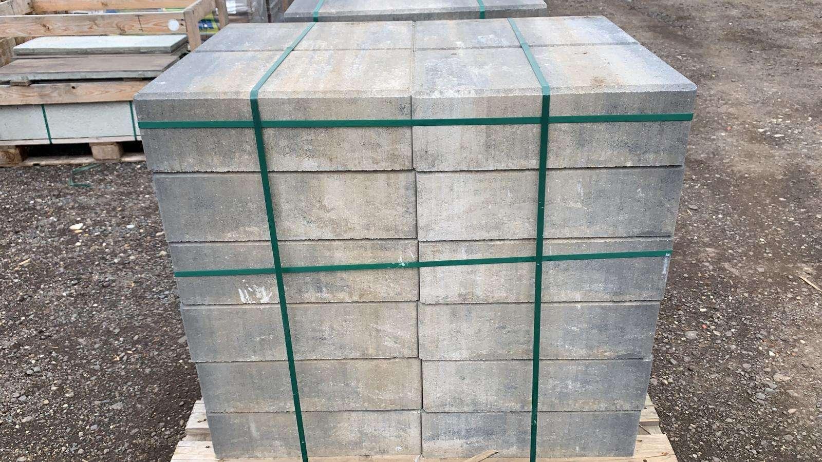 La Tierra Blockstufen Muschelkalk 50x34x15 cm (2.Wahl)