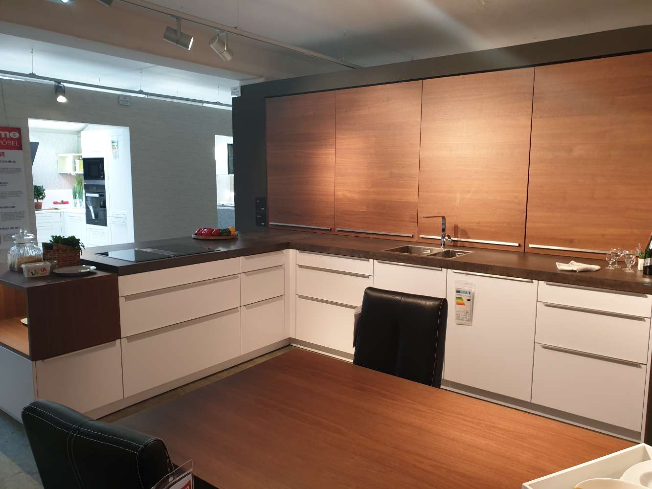 Leicht Classic FS/ Topos Edle Einbauküche mit Sitzlösung