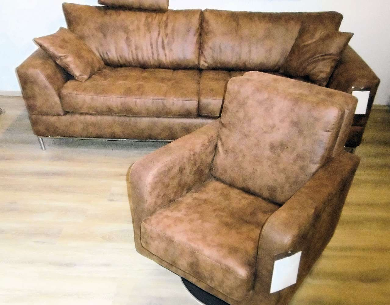 3-Sitzer Design-Sofa mit passendem Drehsessel