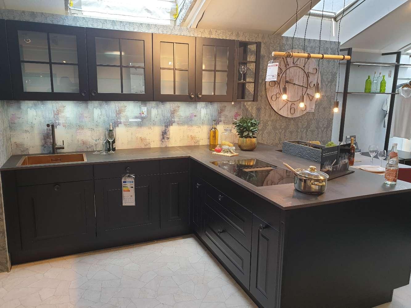 Prisma Einabuküche mit Gaggenau E-Geräte inkl. Dekton Arbeitsplatte