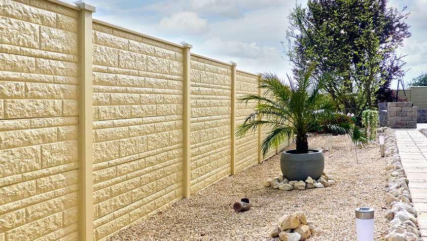 Betonzaun komplett Angebot Länge 11,5 m Höhe 180 cm – Motiv Fels – 2 seitige Motivprägung
