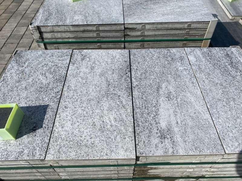 Nanos Betonplus 60x30x4 cm weiss/anthrazit strukturiert (2.Wahl/Restposten)