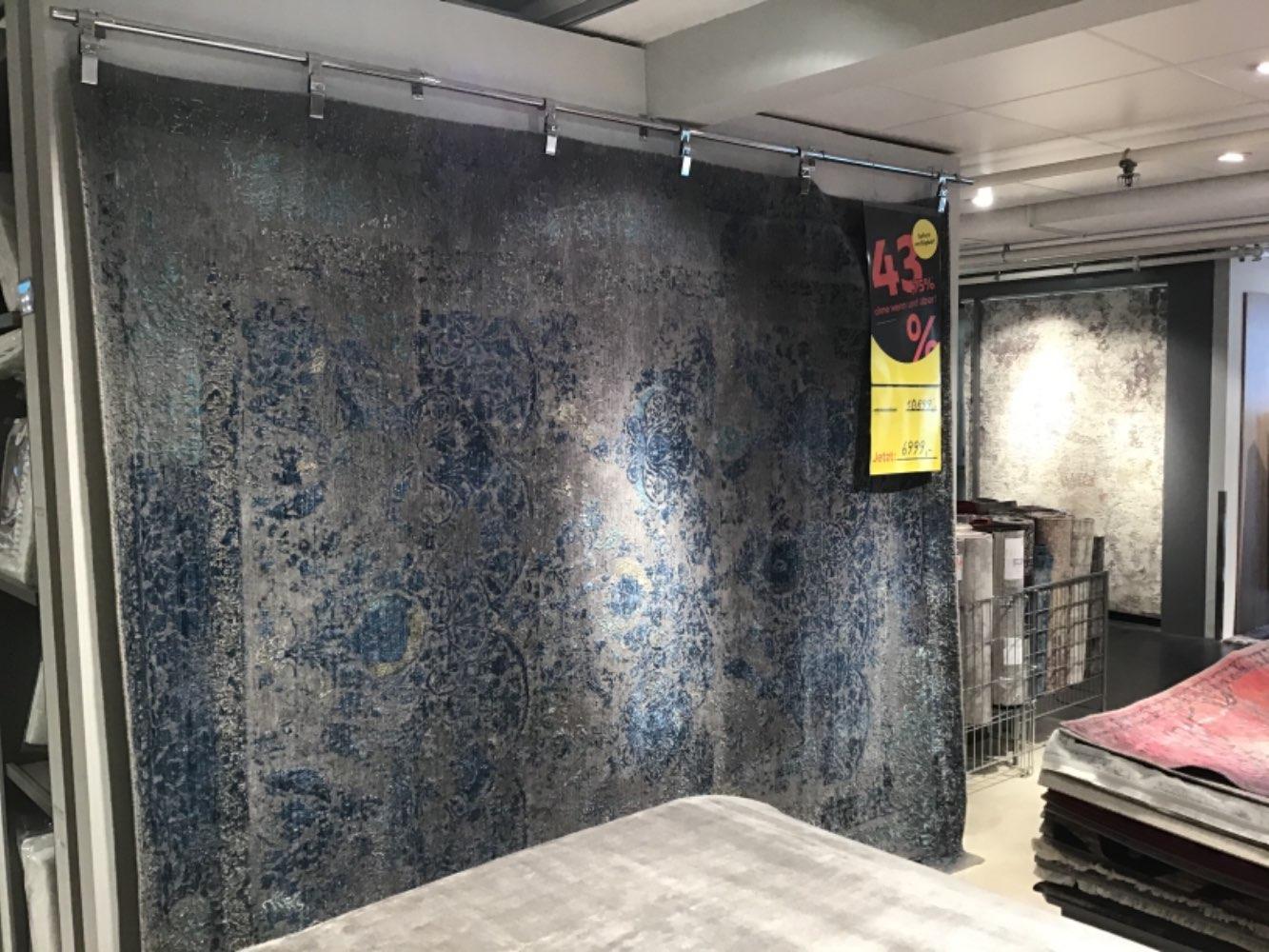 Möbel, Orientteppich Grau/Blau