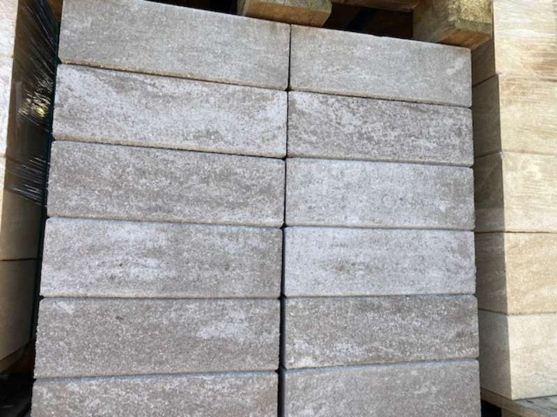 Trend-Line Mauerstein grau terra meliert nuanciert glatt 38x19x12 cm (2.Wahl)