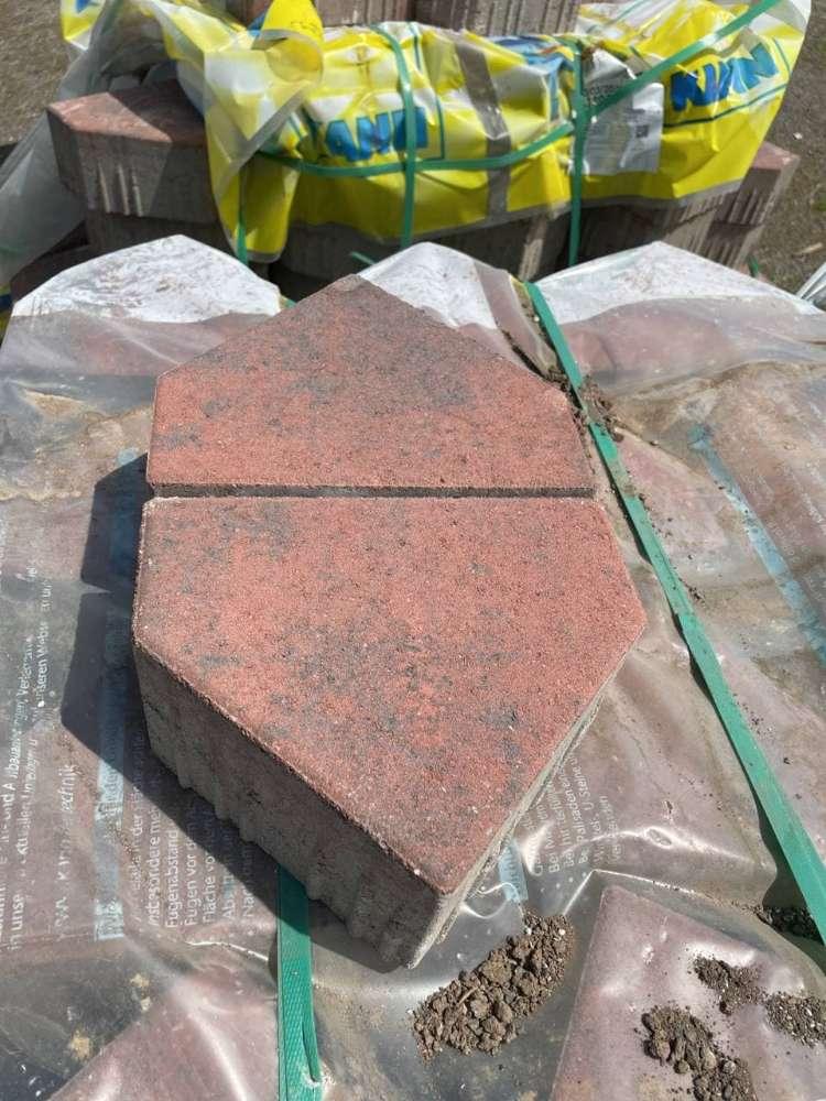 Planolith Pflaster Diagonalsteine 22,6x16x10 cm rot schwarz nuanciert