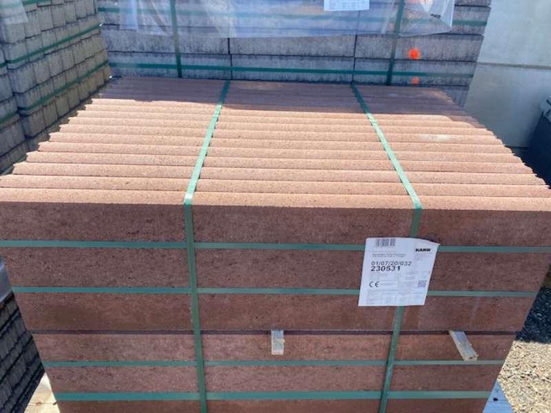 KANN Randstein 5x30x100 cm braun  – betonglatt –  mit Nut und Feder (2.Wahl)