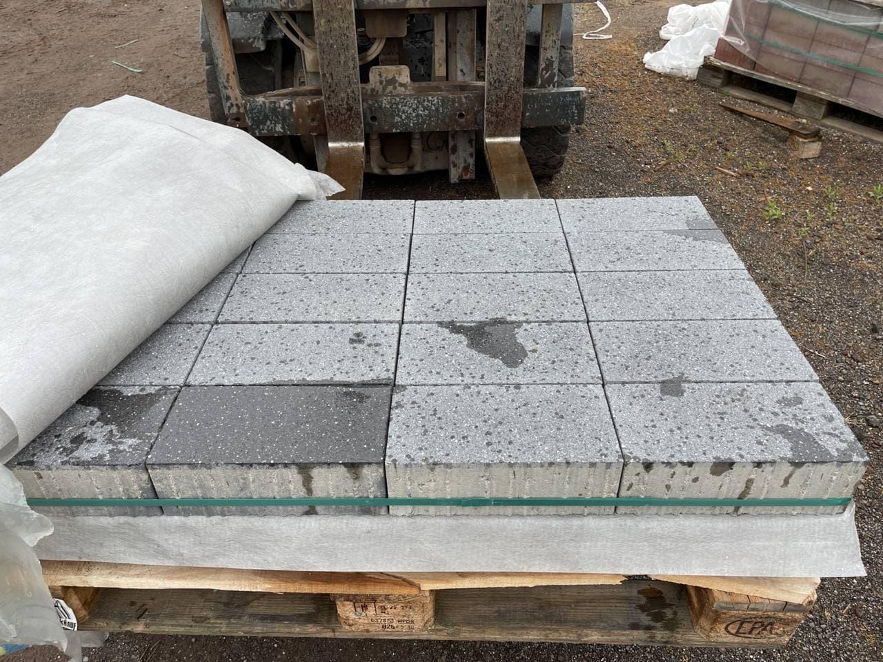 Vianova Pflaster 30x15x10 cm Platindunkel geschliffen & gestrahlt (Restposten)