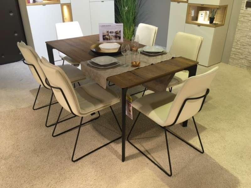 Essgruppe mit Tisch und 6 Stühlen