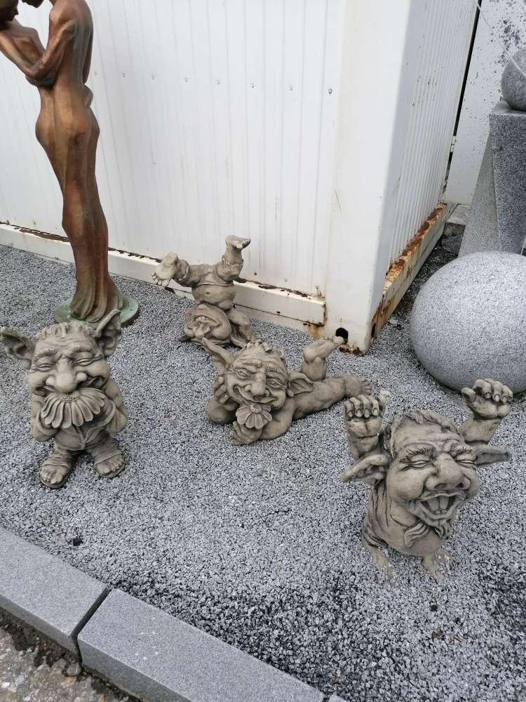 Diverse Gnome Steinguss Skultur Figur Gartendeko