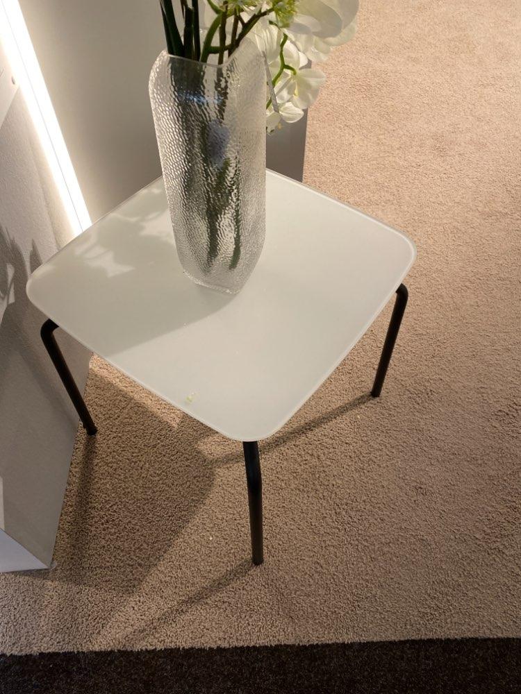 Beistelltisch, Couchtisch, Glas weiß saturiert, 43×43 cm