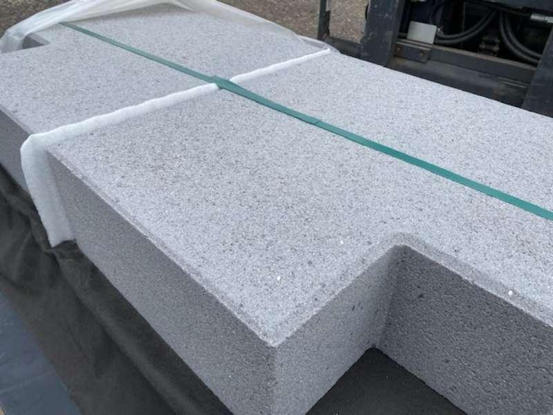 Vios -Stufen 50x50x35x15 cm 90°Ecke grau feingestrahlt ( 2.Wahl)