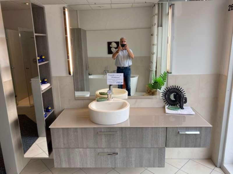 Waschtischanlage inkl. Ganzkörperspiegel und Wand-WC