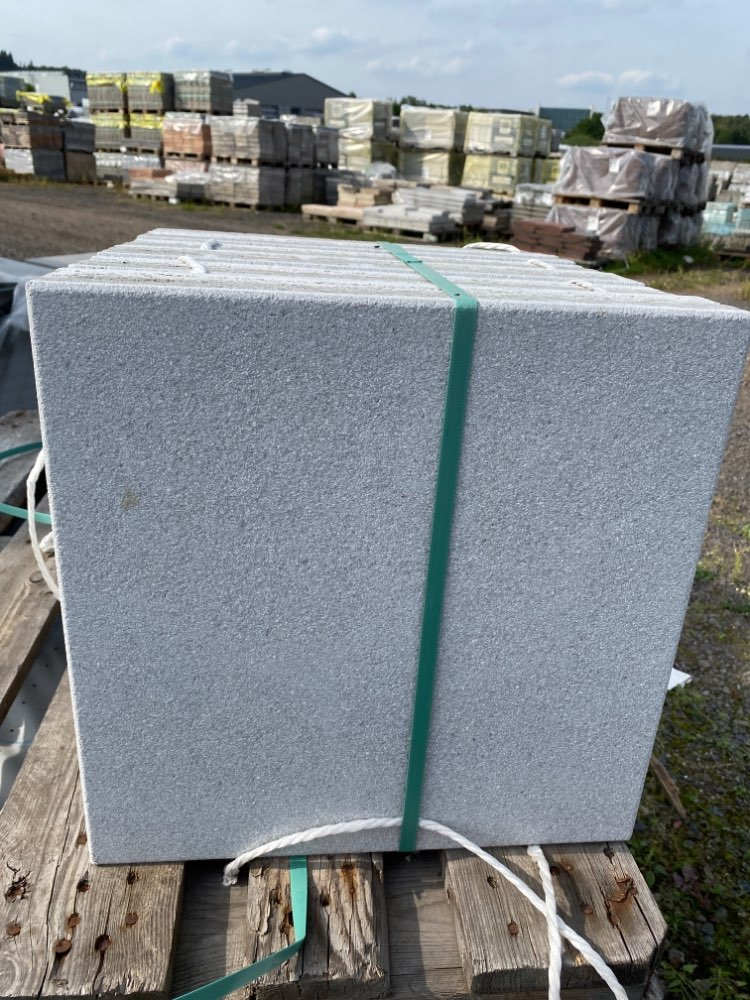 Alaska Terrassenplatten 40x40x3,6 cm grau geschliffen & gestrahlt (2.Wahl)