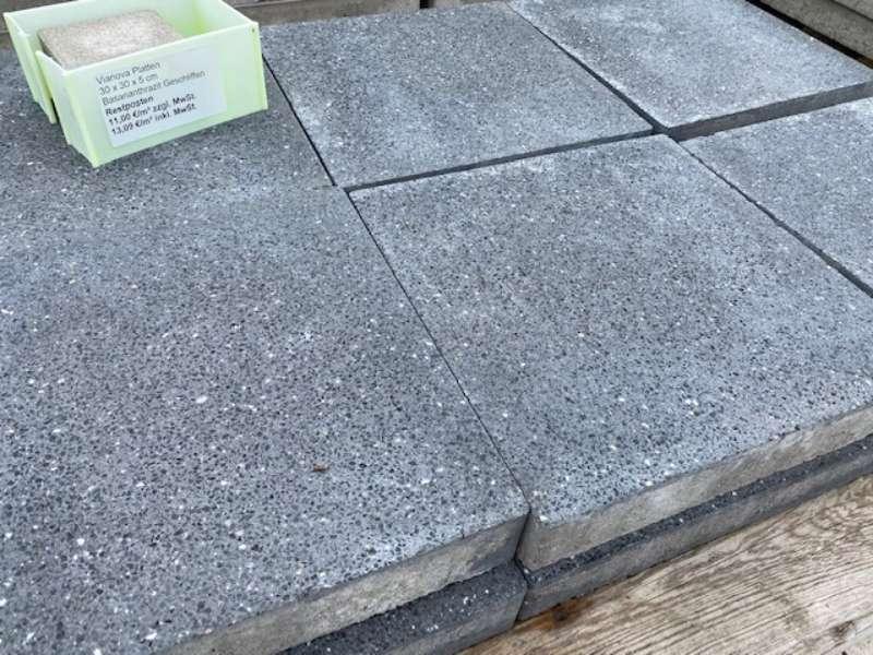 Vianova Platte 30x30x5 cm  basananthrazit geschliffen ungefasst (Restposten) KANN