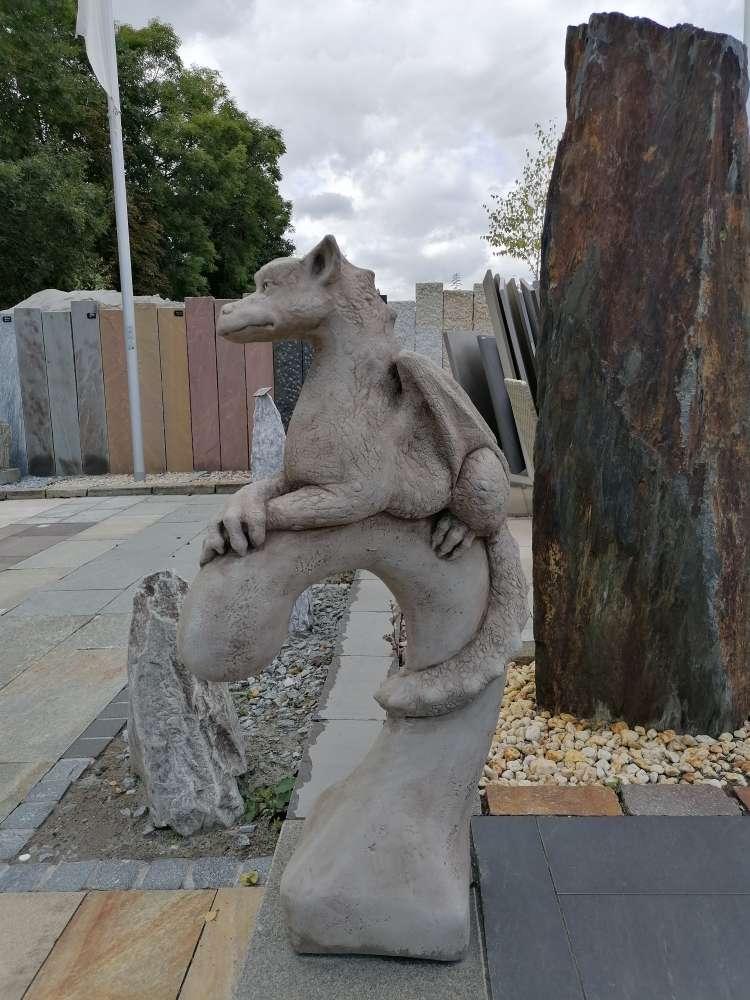 """""""Yolande"""" Steingussfigur / Skulptur / Figur / Gartenfigur"""